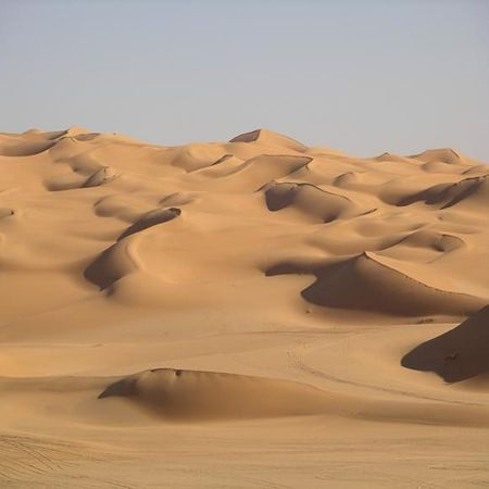 2006_11_23_05_16_44_La_grande_Mer_de_sable_Elle_est_le_point_d_orgue_du_Desert_Libyque
