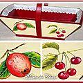 Panier à fruits bois peint fruits et dentelle 3