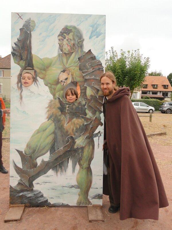 festival cidre et dragon: Alexis c'est fait un copain!!!