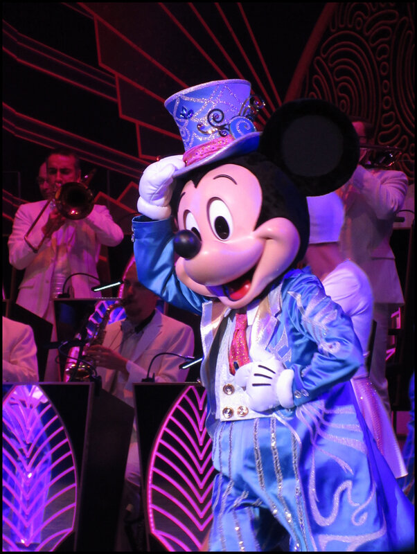 Mickey Christmas Big Band (55)