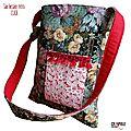 sac-besace-de-createur-original-retro-tapisserie-motifs-fleurs-poche-dentelle-et-pompon-rouges