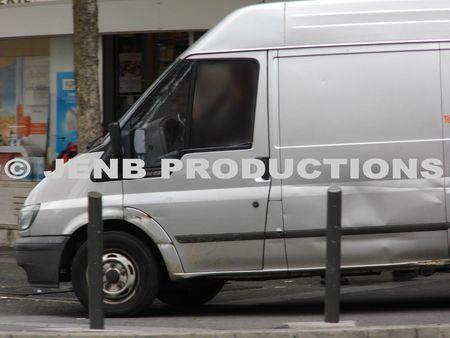 2012 09 17 Noisy-le-Sec véhicules sur trottoir Jean jaurès © JENB Productions (1b)