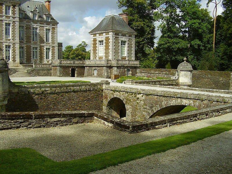 800px-Château_de_Balleroy_2008_PD_18