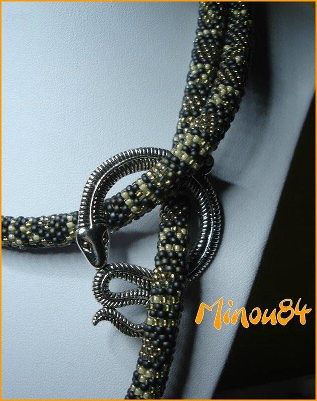 detail serpent
