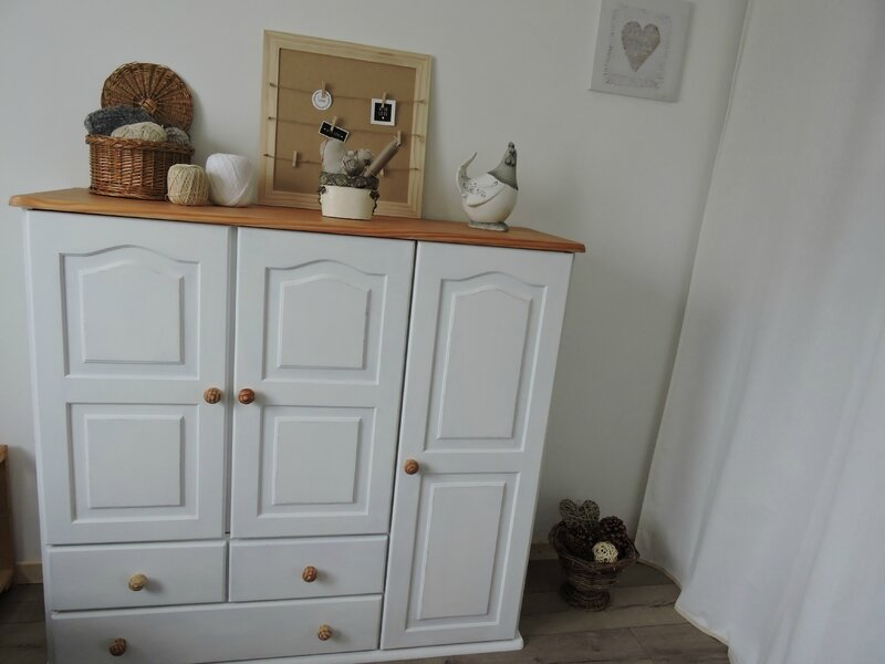 Meuble blanc le petit atelier de colette - Petit meuble en pin ...