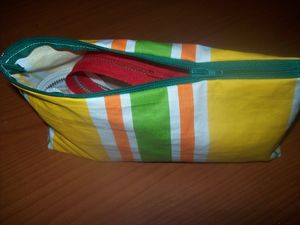 d_tails_trousse_rayures