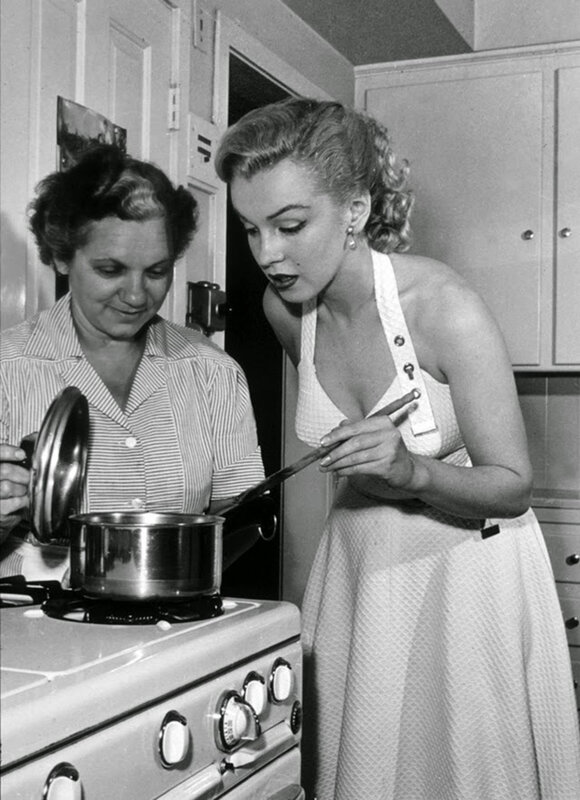 mm-thanksgiving-cooking-1950-a