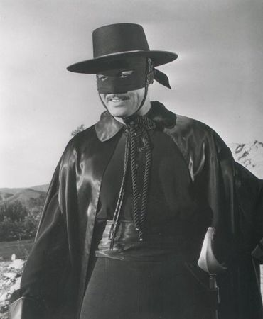 Guy_20Williams_20Zorro_2048_202_4_5