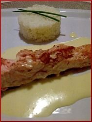SAUMON SAUCE HOLLANDAISE