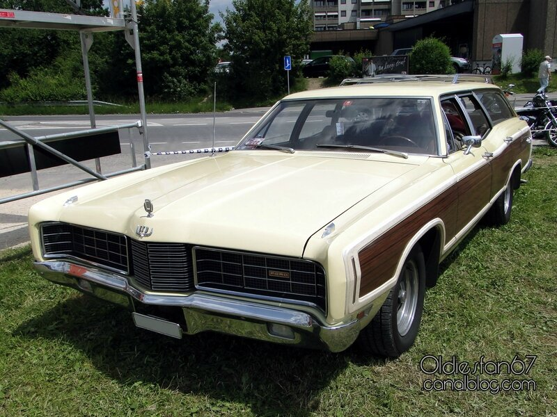 ford-ltd-country-squire-1970-01