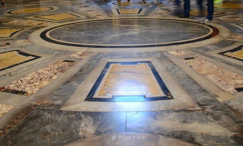 sol en marbre polychrome