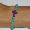 Bracelet 'Croix Howlite' violet, perles Howlite