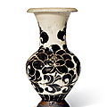 A_very_rare_Cizhou_sgraffiato__Peony__vase__Northern_Song_dynasty__960_1127_