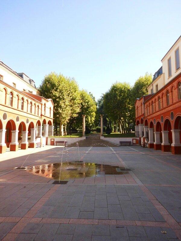 cour ancien couvent Minimes août 2015