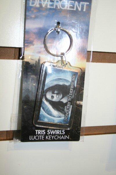 Divergent merchandising 04