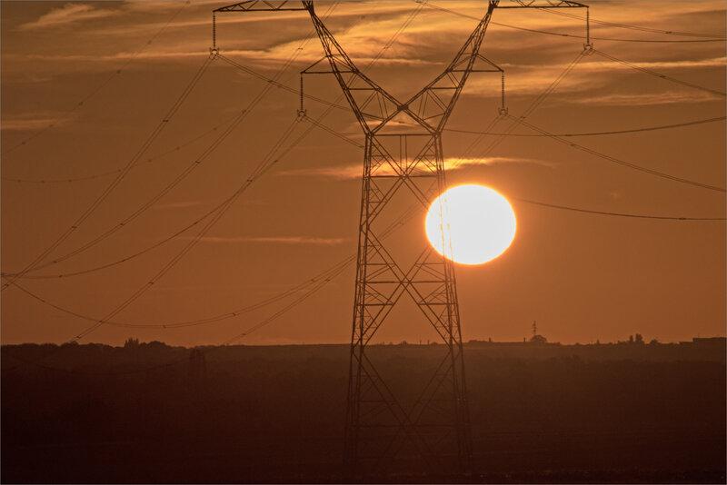 Plaine ligne HT soleil contrej soir 021118