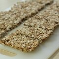 Barres de cereales maison (sans farine/ni oeuf/faible en sucre)/ home-made granola bars (no wheat flour, no egg, low sugar)