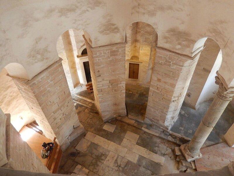 Zadar, intérieur de l'église Saint-Donat, 28 avril 2013