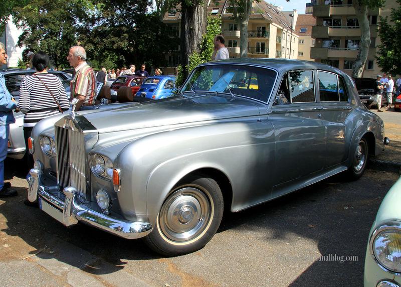 Rolls Royce silver cloud III de 1964 (Retrorencard juin 2010) 01