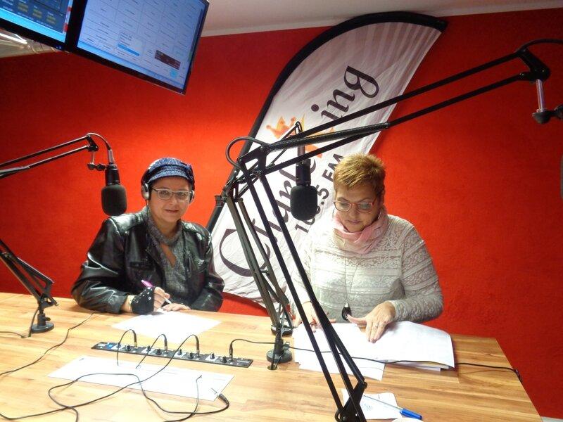 Carine-Laure Desguin en interview sur Charleking Radio ce vendredi 16 décembre 2016!