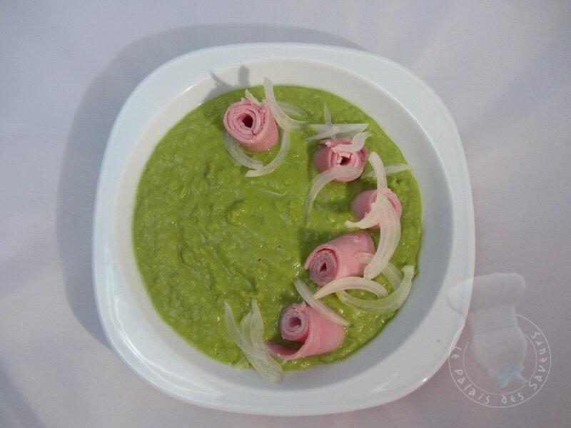Soupe de petits pois et jambon