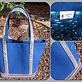 Un nouveau sac à paillettes bleu roy et gris