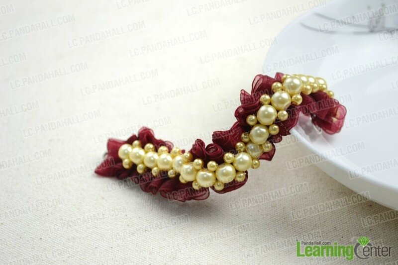 DIY-style-ideas-make-cool-diy-bracelets-out-of-pearl-beads-and-organza-ribbon
