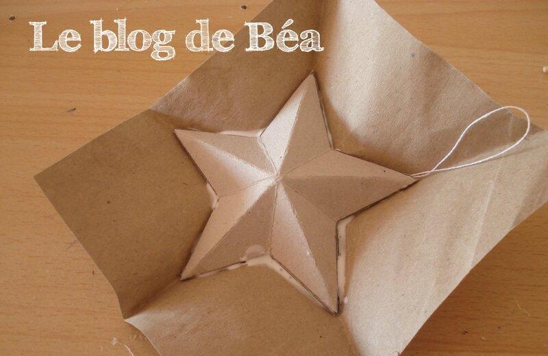DIY etoile3D en carton d'emballage récupéré