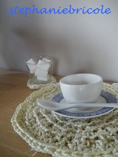 set de table crocheté