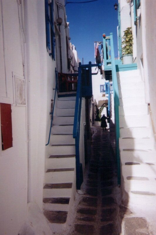 Photo rue de village des cyclades (original)