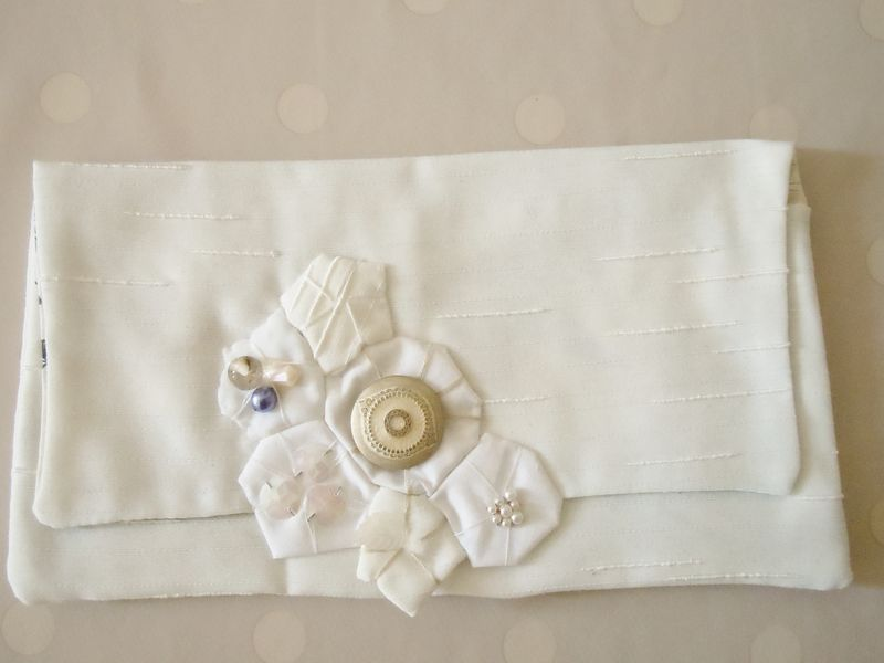 Pochette blanche