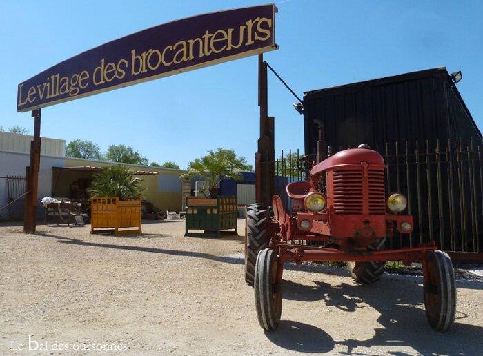 105 Blog Village des brocanteurs Tignieu Brocante Tracteur