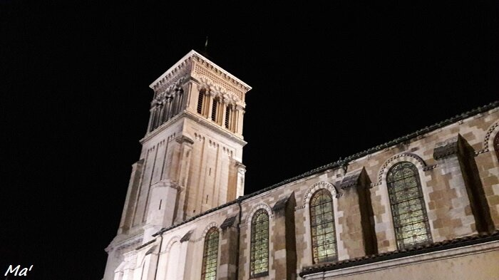 161031_cathedrale_valence_by_night