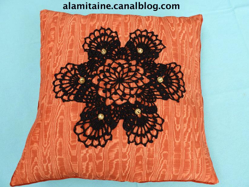 coussin Catherine orange 10