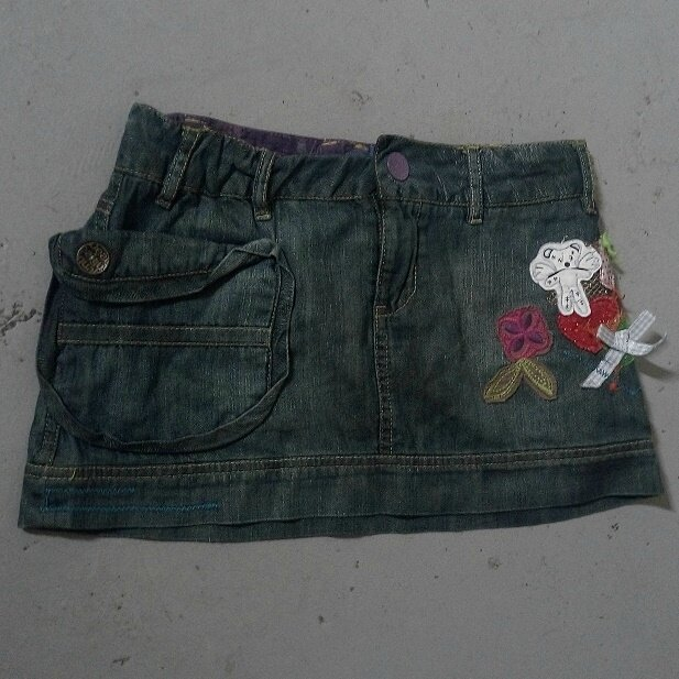 *Jupe jean tendance, 10 ans