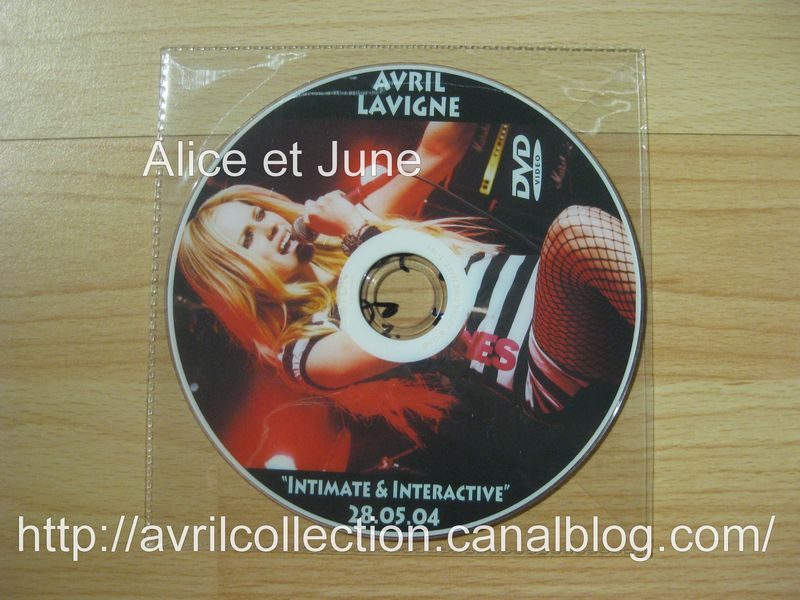 DVD non officiel Intimate & Interactive 28/05/04