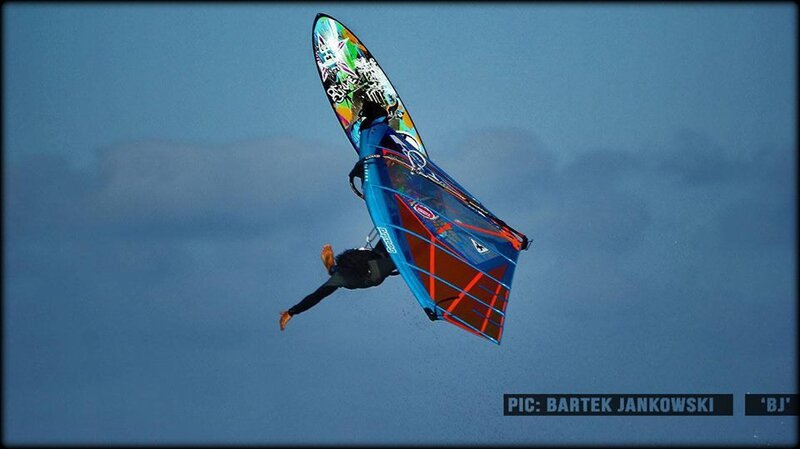 Alex_Mussolini_going_for_a_one_handed_one_footed_backloop_in_Tenerife