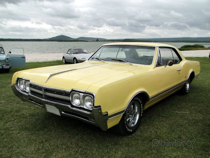 oldsmobile-cutlass-holiday-hardtop-coupe-1966-a