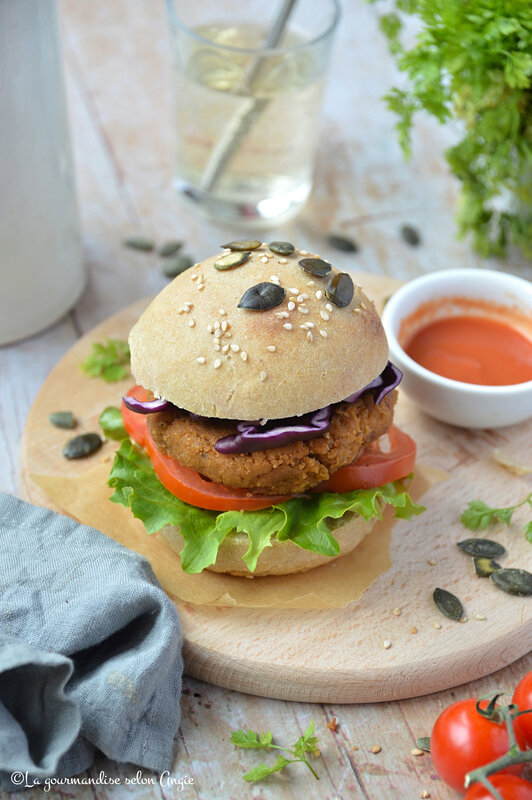 burger steak de seitan bun vegan