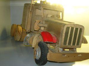 VALDI_camion_en_bois_ebauche