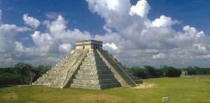 Chichen_Itza_01_H_edited