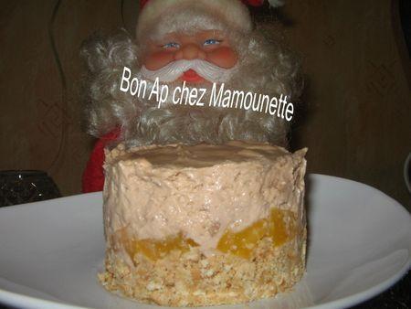 Mousse_au_mascarpone_chocolat_e_sur_nid_de_p_ches_et_petits_lu_bonapchezmam