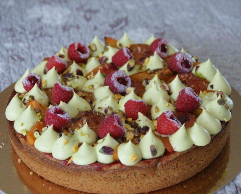 Tarte façon fantastik Abricot framboise pistache