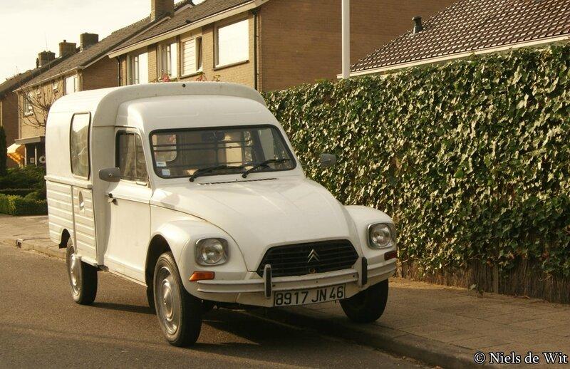 Citroën_Acadiane_(13956209645)