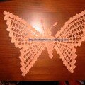 Un papillon, prévu pour agrémenter un vêtement