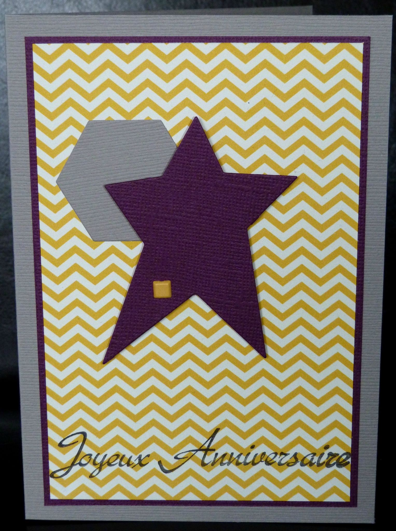 20. greige, jaune et violet - chevrons, hexagone et étoile