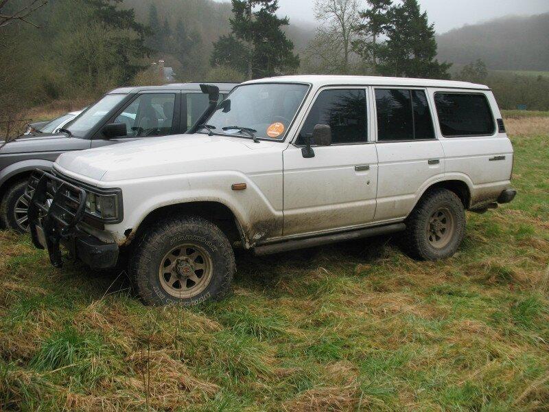 ToyotaLandCruiserHJ61av1