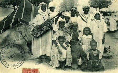 Bordeaux_village_africain_1907__1_