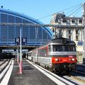 BB 67400 en tête du train de nuit Nice~Nantes, Bordeaux