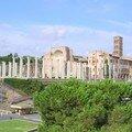 Colonnes face au Colisée